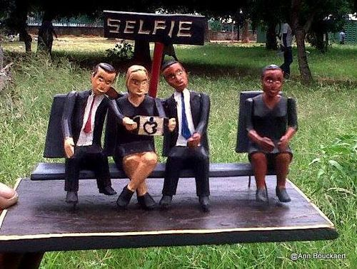Obama hts selfie as streetart